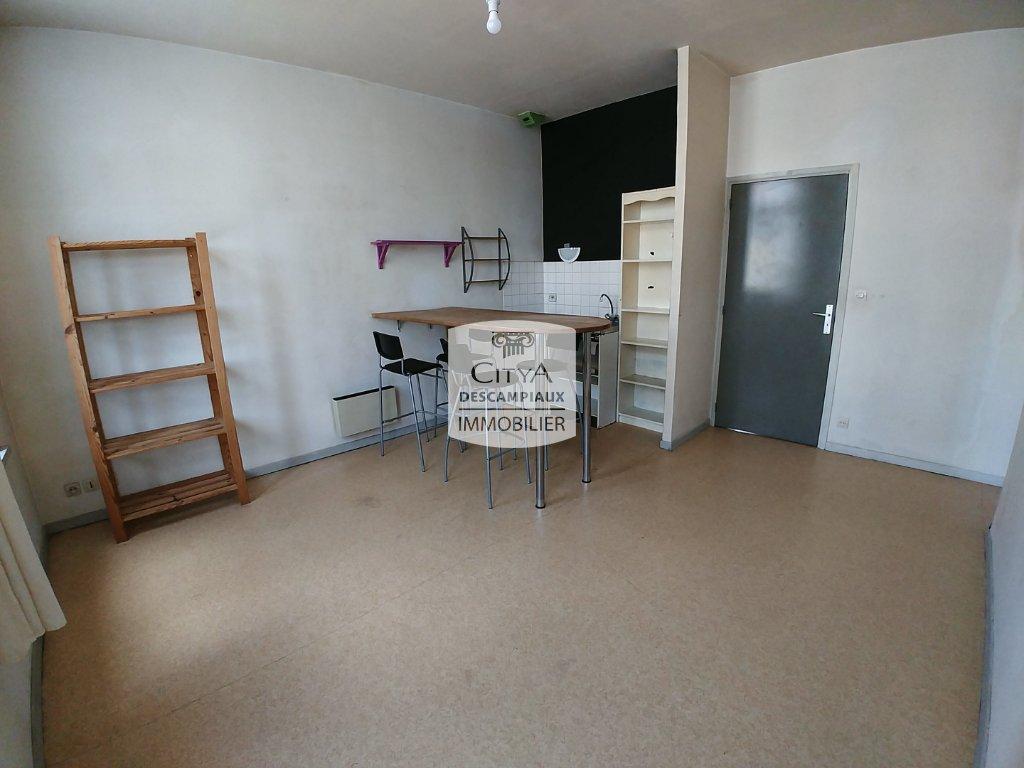 APPARTEMENT T2 A VENDRE - LILLE WAZEMMES - 43,01 m2 - 161000 €