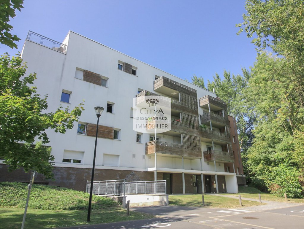 T2 avec balcon et place de parking - ST ANDRE LEZ LILLE - 39 m2 - 147500 €