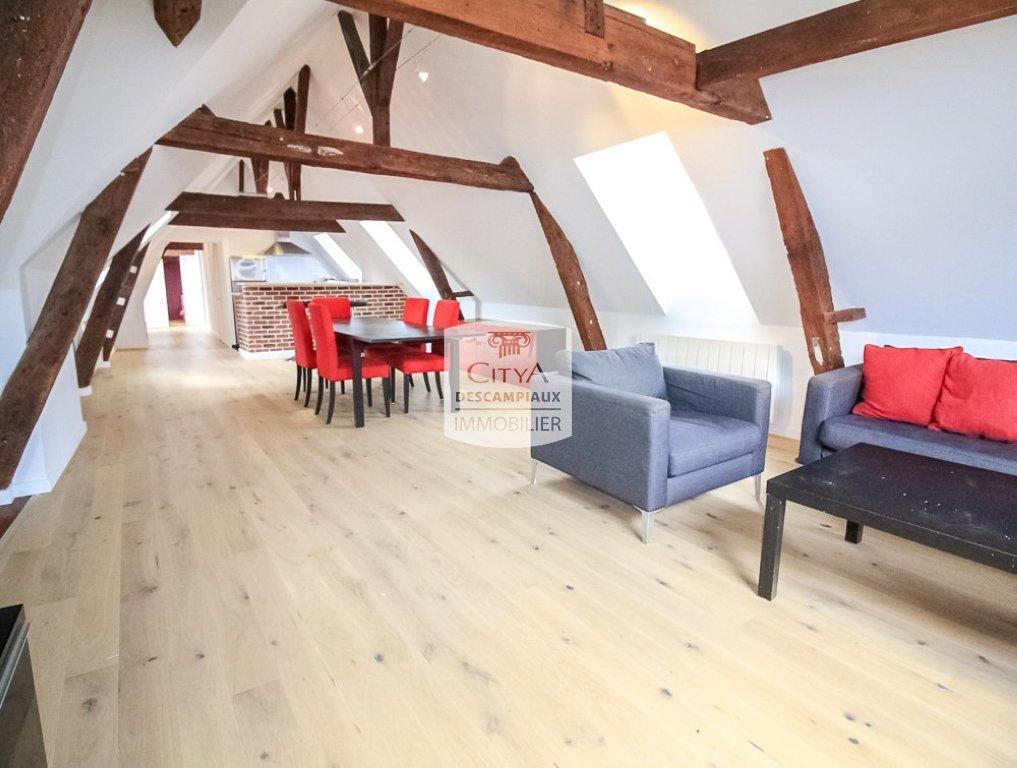 APPARTEMENT T3 A LOUER - LILLE CENTRE GARES EURALILLE - 89,65 m2 - 1490 € charges comprises par mois
