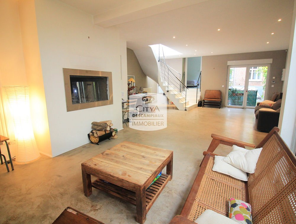APPARTEMENT T4 A VENDRE - LILLE CENTRE GARES EURALILLE - 110 m2 - 472500 €