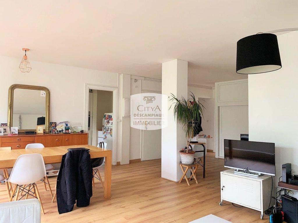 APPARTEMENT T5 A LOUER - LILLE CENTRE MAIRIE - 93,52 m2 - 1505 € charges comprises par mois